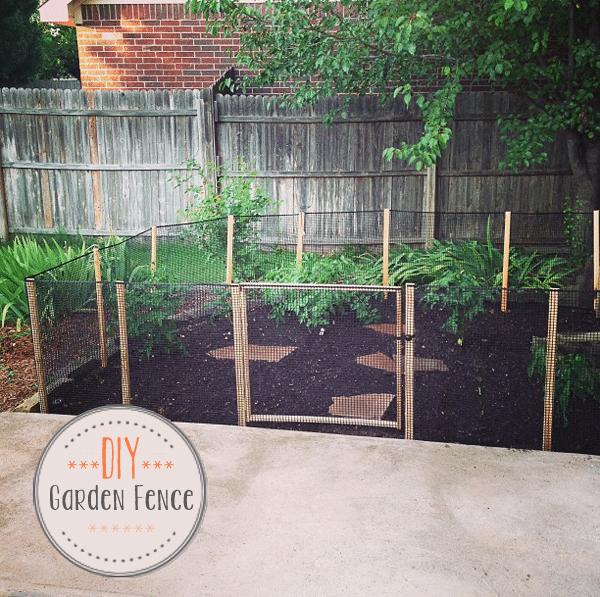 diy how to make a garden fence oh everything handmade llc. Black Bedroom Furniture Sets. Home Design Ideas